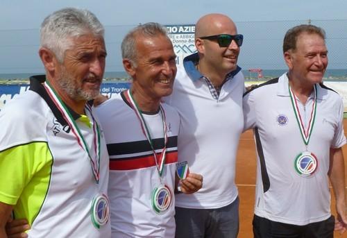 Tennis, Campionato nazionale Polizia locale: podio per il modicano Piero Rosa