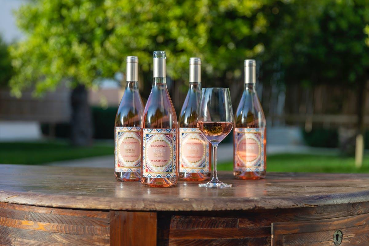 """Vino, nasce """"Rosa"""" dal matrimonio fra Dolce&Gabbana e Donnafugata"""
