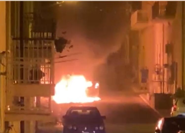 Intimidazione col fuoco a Rosolini, bruciata auto del presidente della Futsal