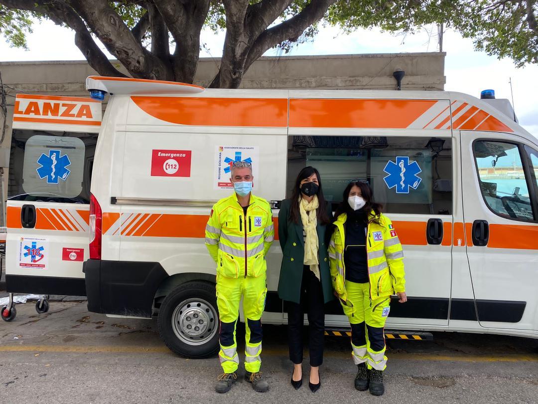 "Rossana Cannata: ""Consegnate 5 ambulanze medicalizzate in provincia di Siracusa"""