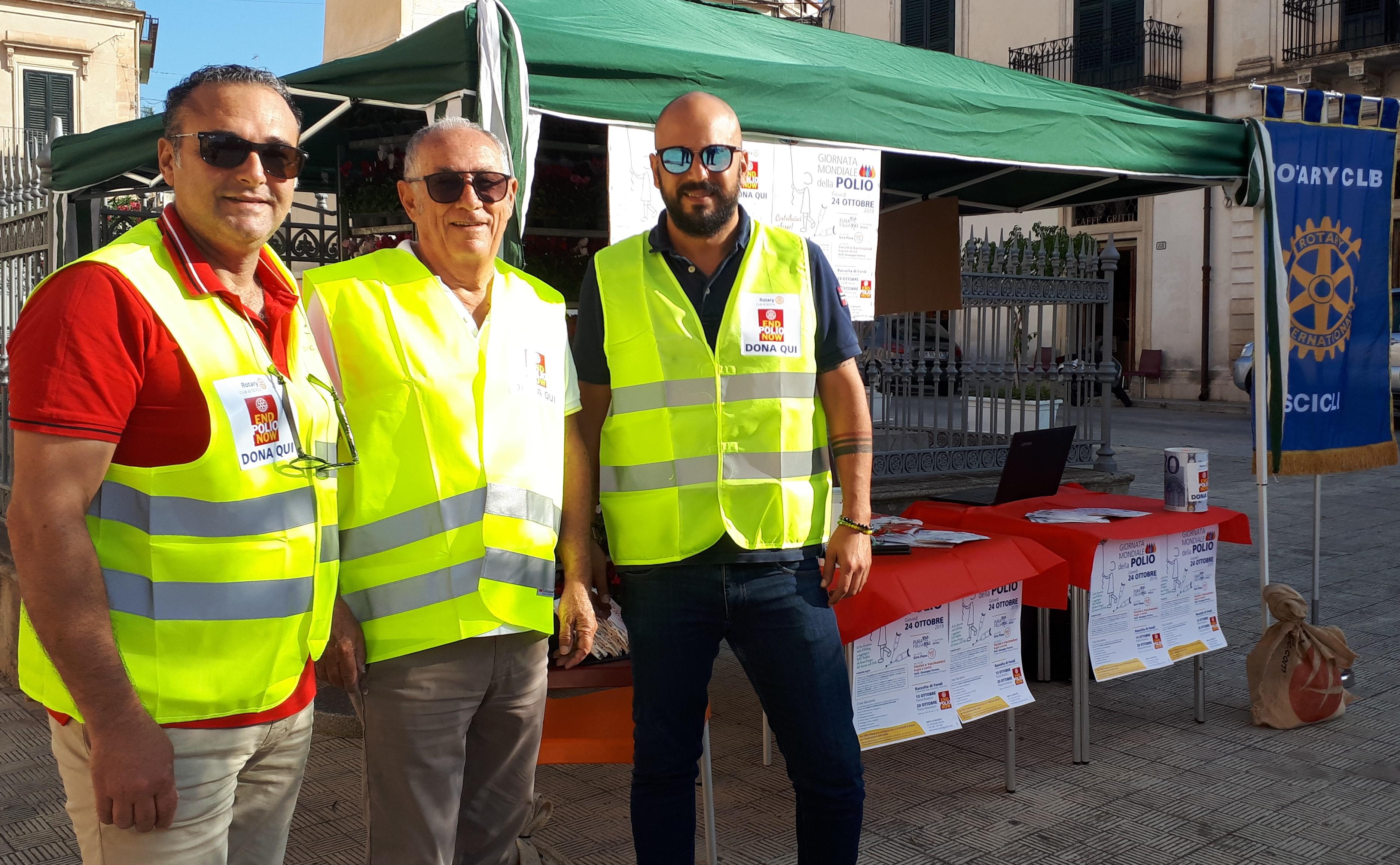 Scicli, lotta alla Polio: iniziativa del Rotary Club in piazza Municipio
