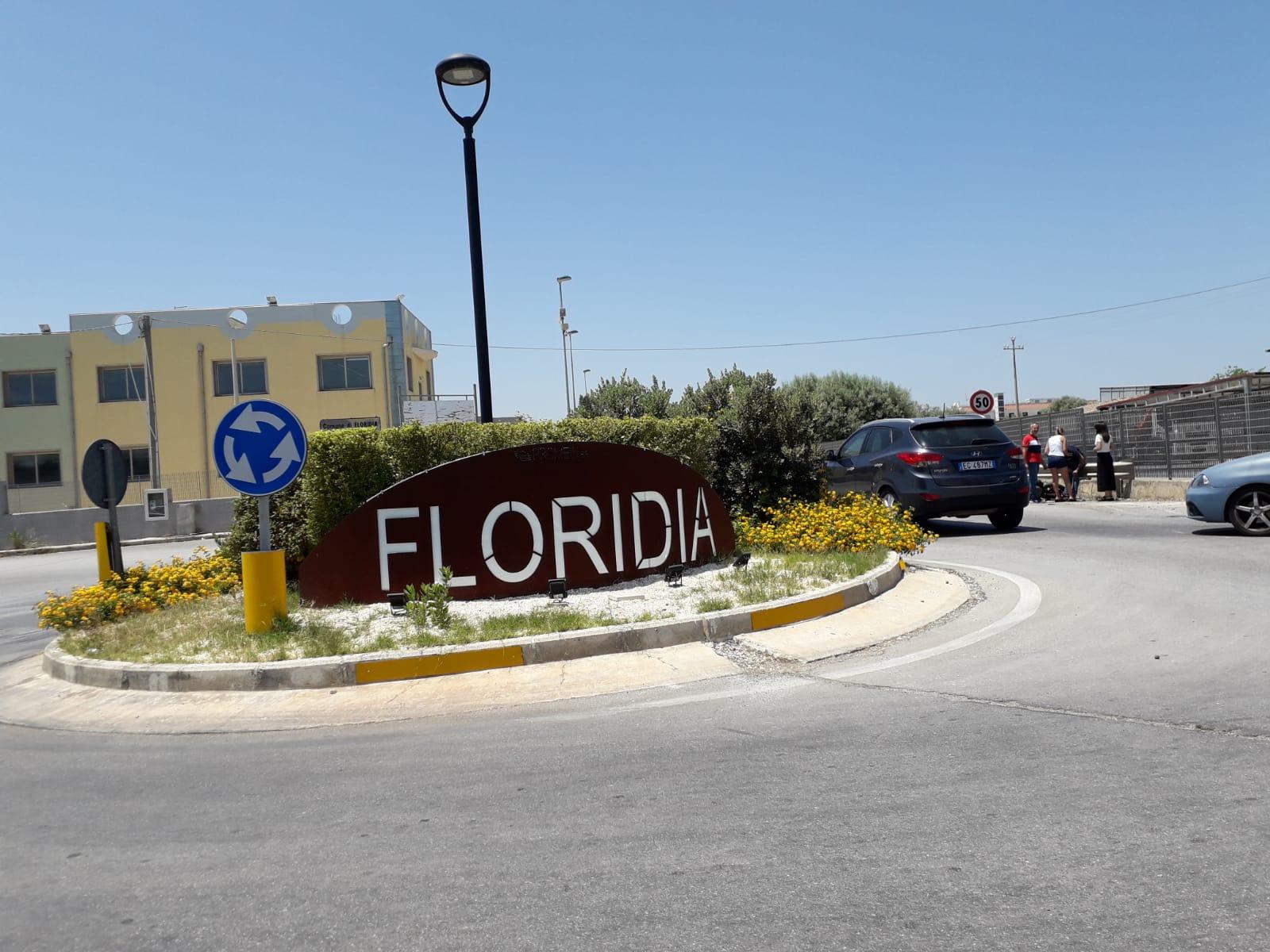 Scontro auto - scooter alle porte di Floridia: un ferito