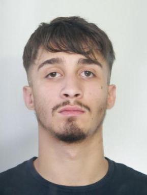Due rapine nello stesso giorno a Catania, due arresti della polizia