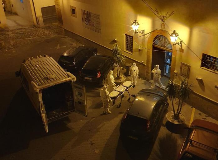Sambuca di Sicilia, salgono a 64 i positivi al covid: evacuazione della Rsa