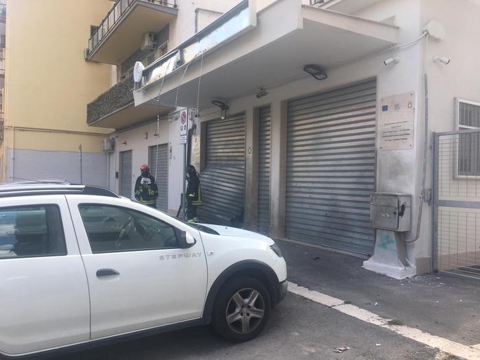 """Nuovo attentato a Foggia, bomba contro la Rsa per anziani """"Il Sorriso"""""""