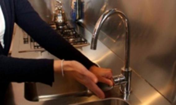 Acqua col contagocce a Catania, il sindaco sollecita i vertici della Sidra