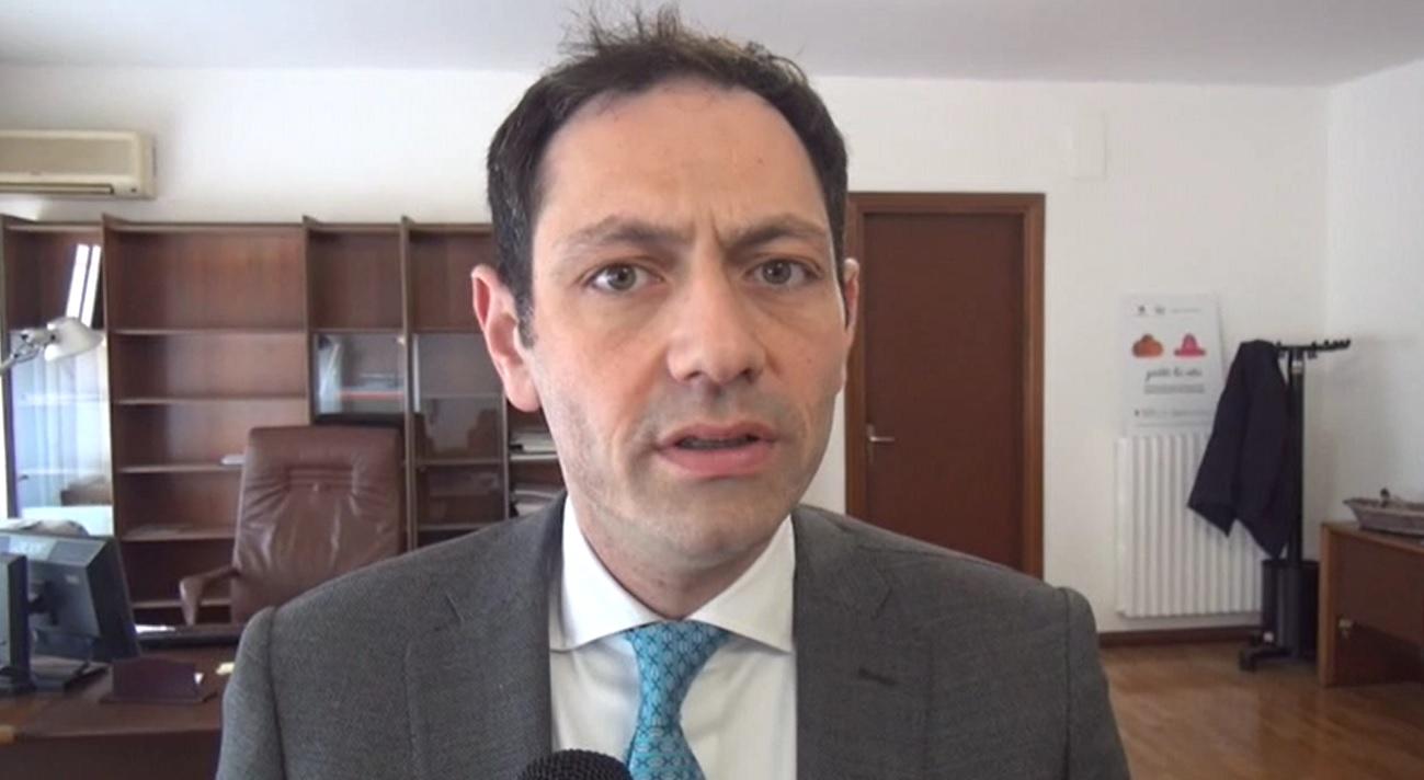 Dati falsi sul covid in Sicilia, tre arresti: indagato l'assessore Razza