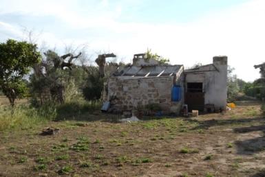 Occupa una casa rurale, denunciato in libertà a Siracusa