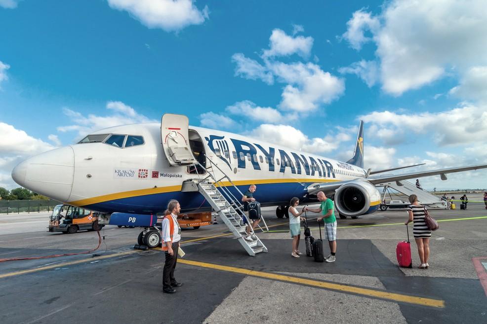Ryanair annulla il volo Pisa-Comiso: inutili le proteste dei passeggeri