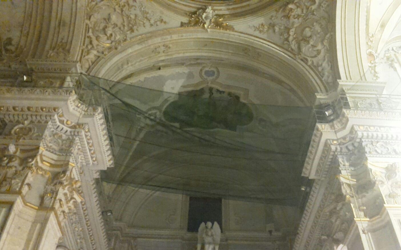 Crolla stucco al Duomo di  San Giorgio a Modica: turisti illesi, chiesa aperta