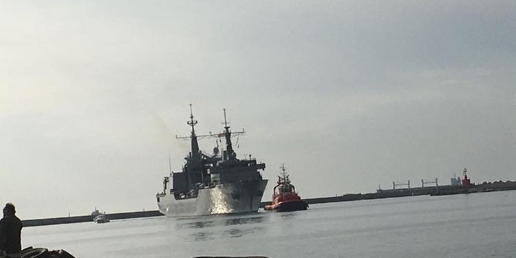 Salerno, nave di migranti con ventisei donne morte