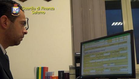 Sentenze aggiustate,  14 arresti a Salerno: pure due giudici tributari