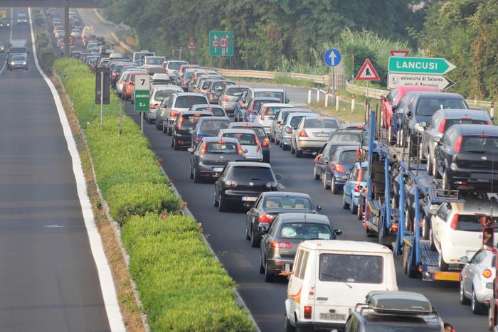 Assalto ad un blindato sul raccordo autostradale Avellino-Salerno