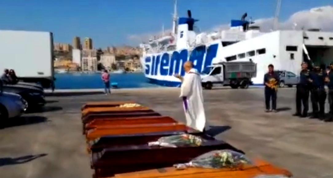 Quattro mamme tunisine ad Agrigento per cercare le salme dei loro figli