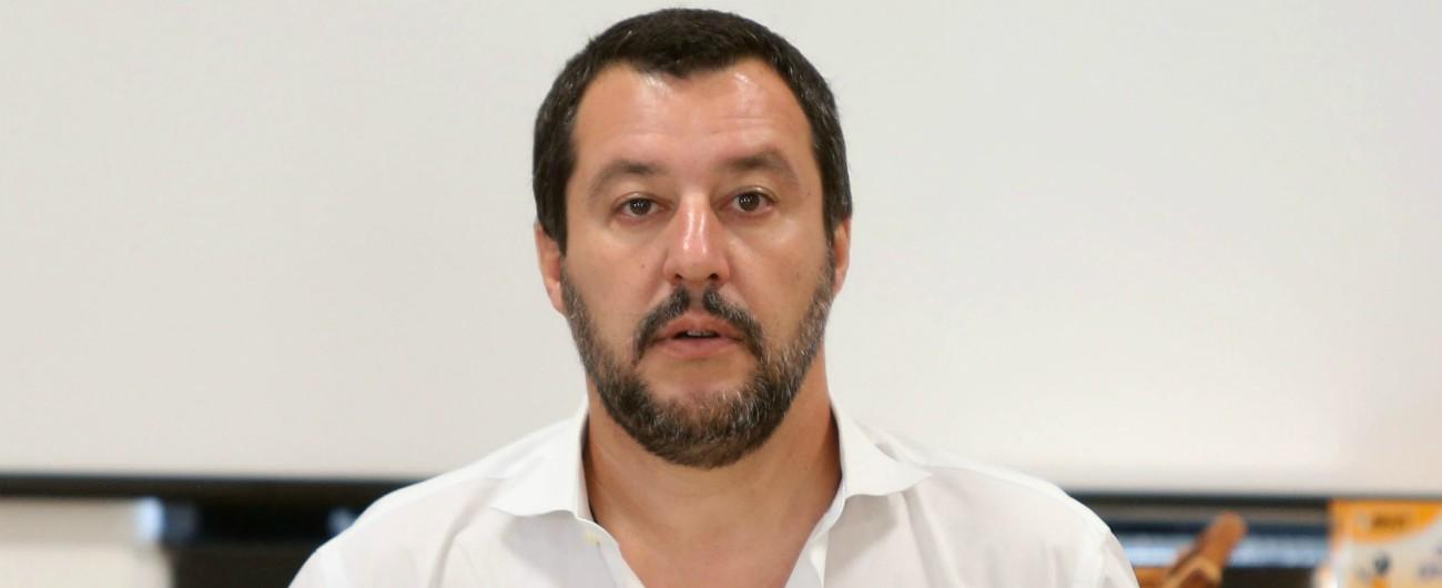 Migranti, il ministro Salvini indagato a Siracusa per sequestro di persona