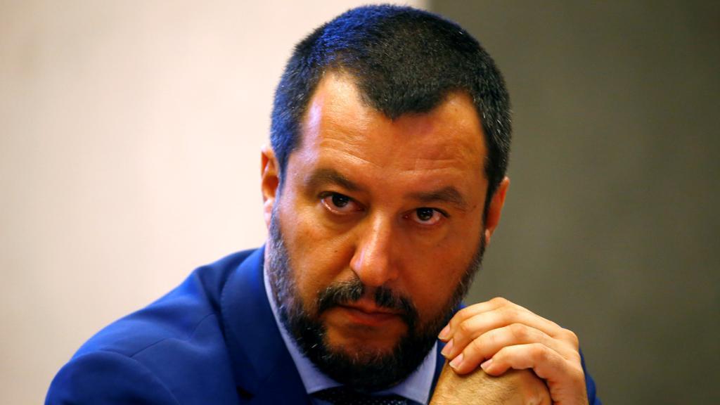 """Salvini: """"Mafiosi e scafisti per me siete le stesse merde"""""""