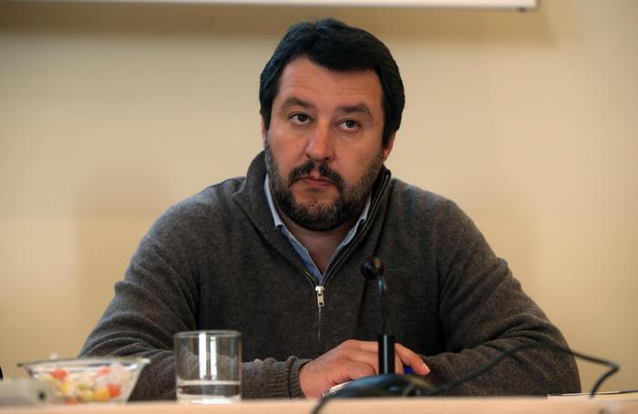 """Salvini ha dormito al Cara di Mineo, Ong? """"Aspettiamo i primi arresti"""""""