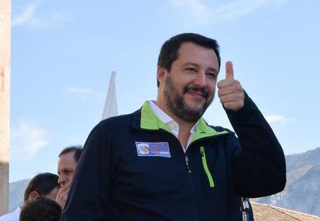 Il ministro Salvini sui migranti: