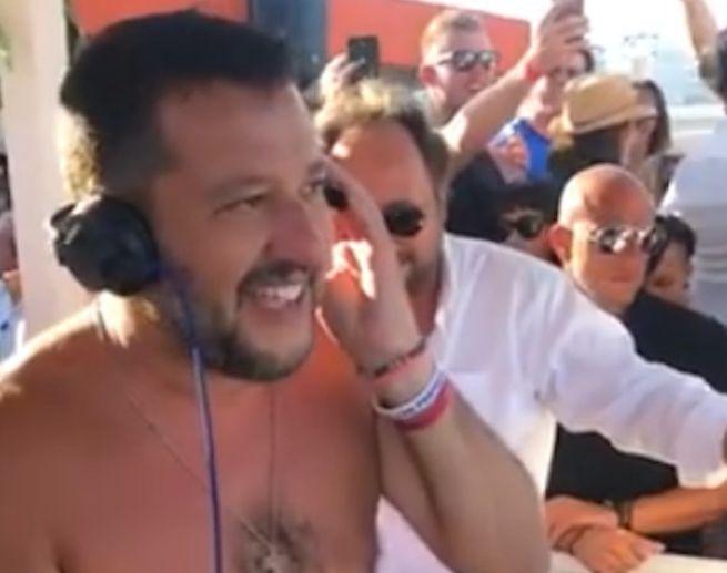 Tour d'agosto al Sud di Salvini, domenica a Siracusa al Tempio di Apollo