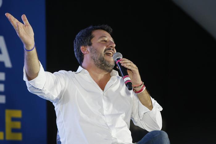 La Questura di Cosenza nega l'autorizzazione alla manifestazione contro Salvini