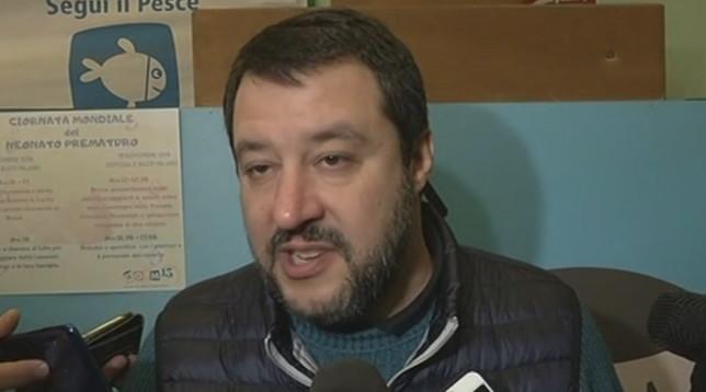 """Salvini: """"Serve una serrata totale di 2 settimane per contrastare il coronavirus"""""""