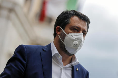 Fase 2, scontro tra Governo e Regioni: Salvini occupa Camera e Senato