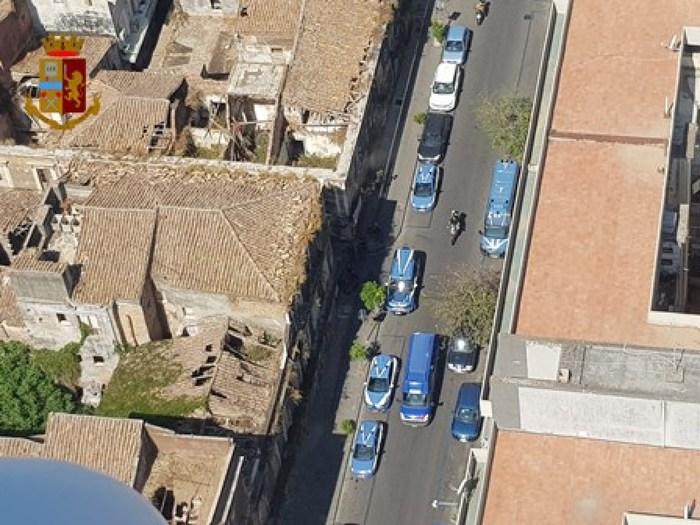 """Catania, """"Operazione San Berillo"""": la Polizia mette sotto assedio il quartiere"""