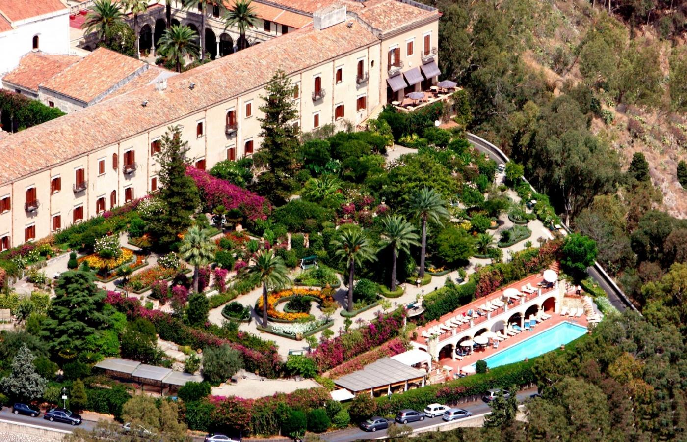 Fondo di investimenti inglese ipoteca l'Hotel San Domenico di Taormina
