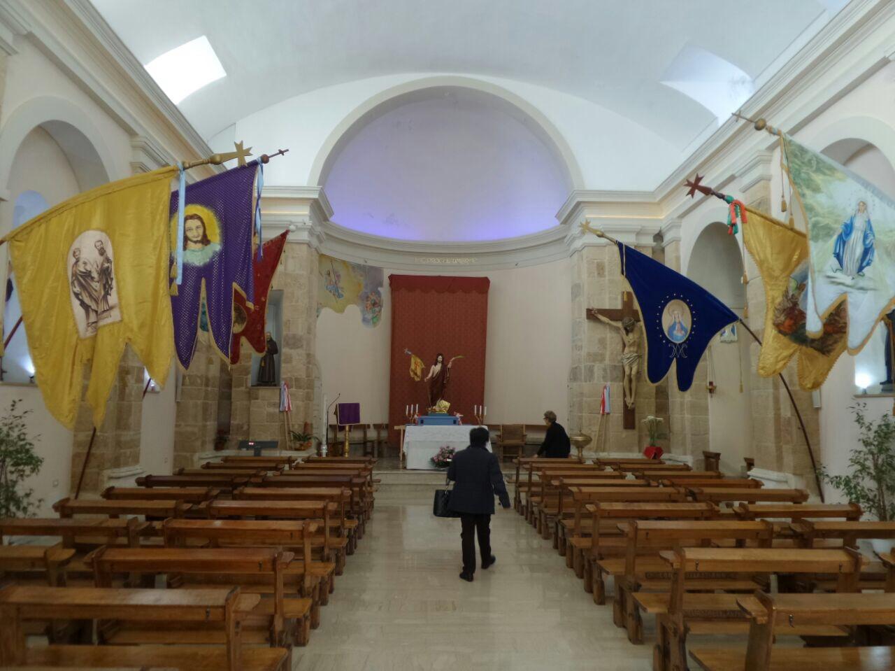 Portopalo di Capo Passero, prega in chiesa ma le fanno sparire la borsa