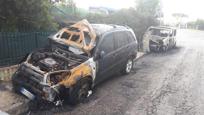 Incendiate due auto a un consigliere comunale di San Giorgio a Cremano