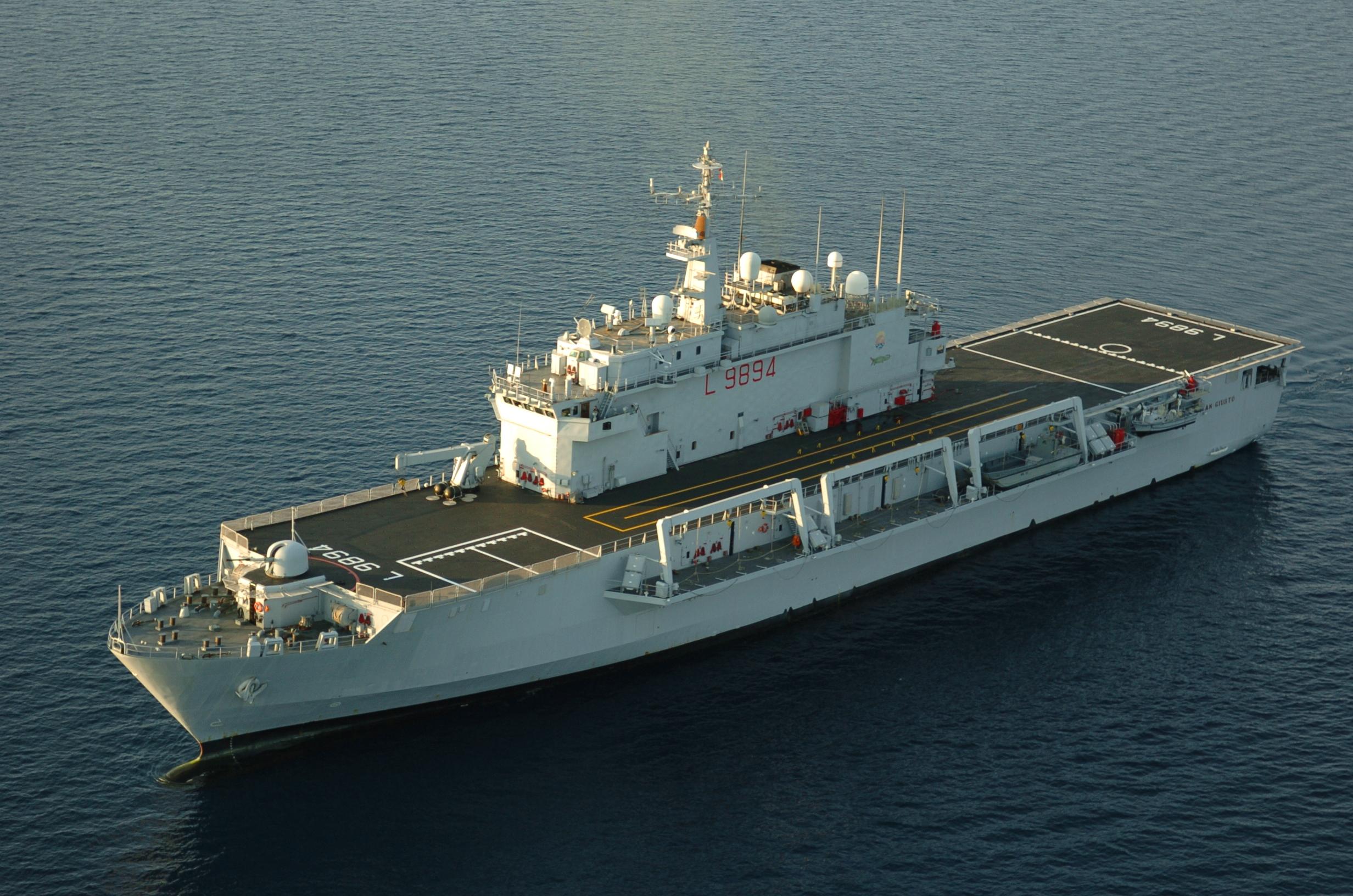 Marina Militare, la nave anfibia San Giusto per 3 giorni ad Augusta