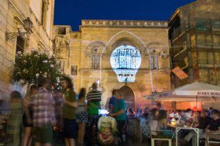 Siracusa, rissa nella notte in un locale di Ortigia: 5 denunciati