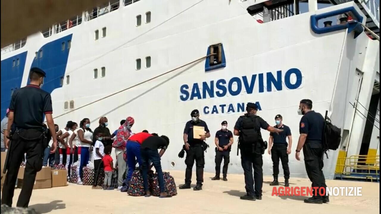 Naufragio a Lampedusa, imbarcate le 7 salme: sepoltura a Palma Montechiaro