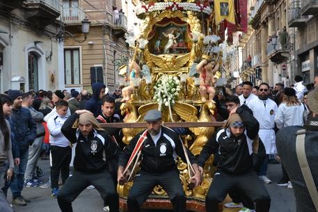 Festa di Sant'Agata a Catania, il busto rientra al Duomo