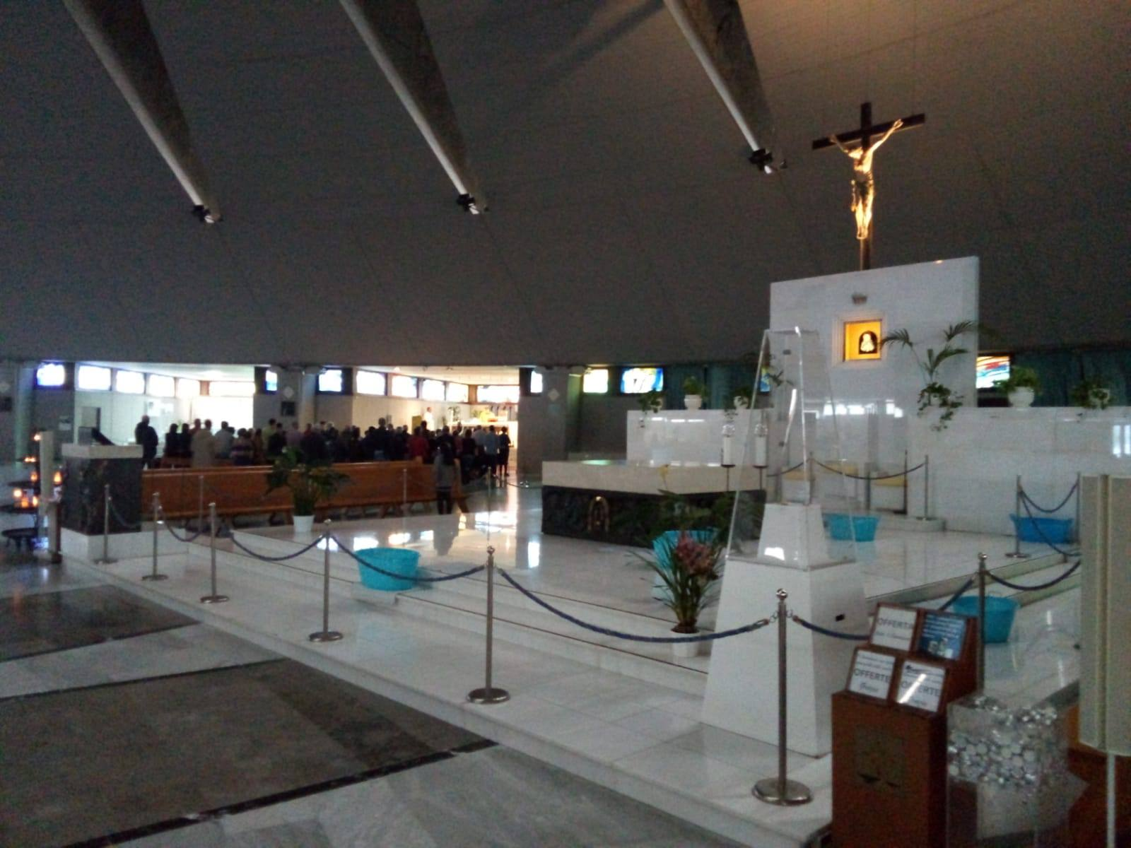Siracusa, piove al Santuario: salta la messa all'altare maggiore