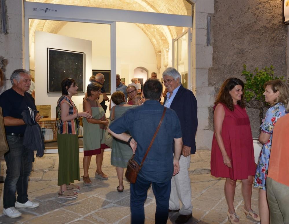 Scicli, inaugurata la personale di Franco Sarnari: in mostra anche opere inedite