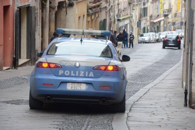 Terremoto alla questura di Sassari, due poliziotti arrestati per corruzione