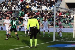 Il Palermo a piccoli passi verso la salvezza: 2 a 2 fuori casa col Sassuolo