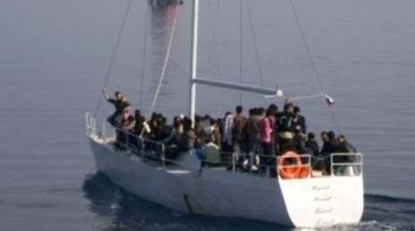 Migranti, una sessantina intercettati su barca a vela a 20 miglia da Pozzallo