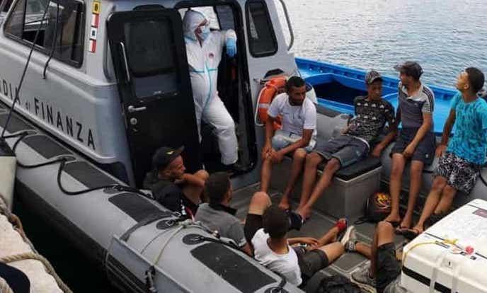 Altro sbarco a Lampedusa, arrivati 130 migranti  dopo soccorsi a largo