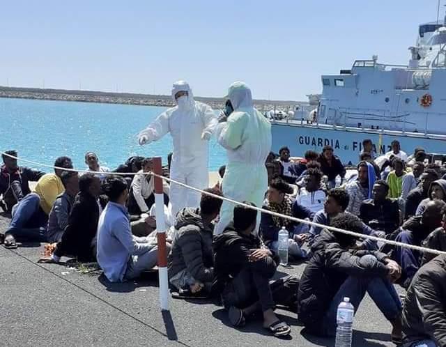 Pozzallo, eccessivo flusso di migranti: a rischio la risposta efficace del sistema sanitario