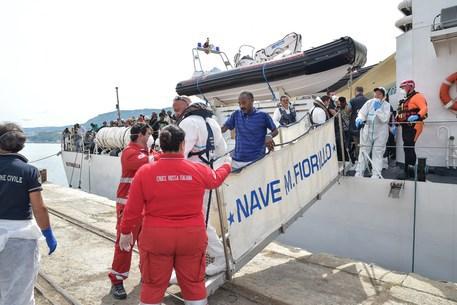 Sbarchi, in arrivo a Vibo Valentia Marina 612 migranti