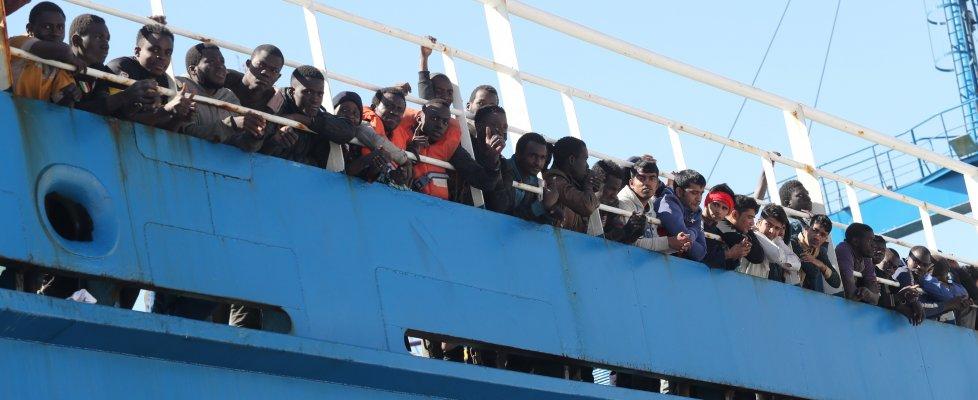 Sbarchi di migranti senza fine, a Palermo arrivati in 477
