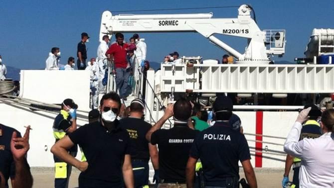 Domani maxi sbarco di migranti a Palermo: oltre mille