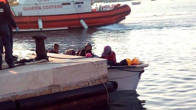 Secondo sbarco in poche ore a Lampedusa: arrivati 23 migranti