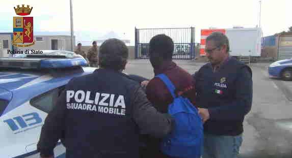 Sbarchi, tre presunti scafisti arrestati nel Foggiano