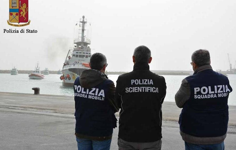 Pozzallo, arrestati dalla Polizia due presunti scafisti