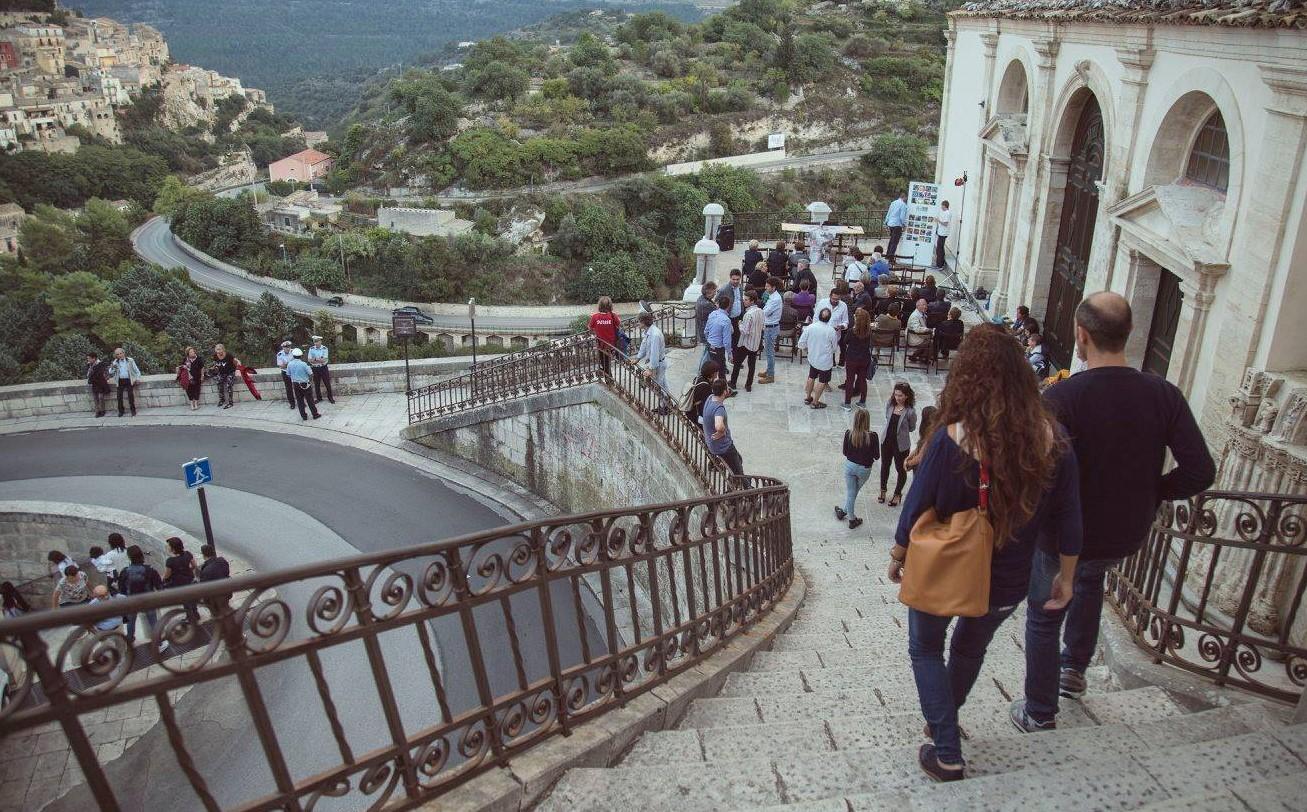 """Ragusa, tra arte e cultura torna a Ibla l'appuntamento con """"Scale del gusto"""""""
