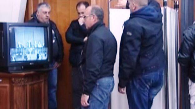 Palermo, sfuggiti all'ergastolo tornano a fare i boss: tornano in carcere