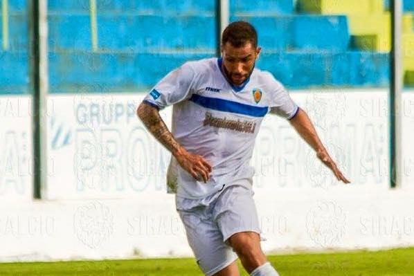 Il Siracusa vince sul campo della Casertana: è di Scardina il gol partita